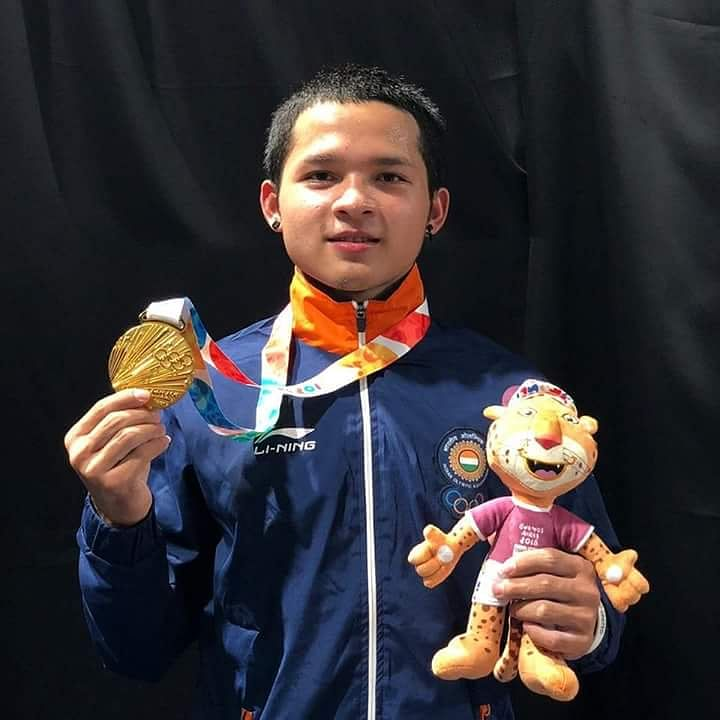 Jeremy Larinnunga with the Gold. (Source: Twitter/DD National)
