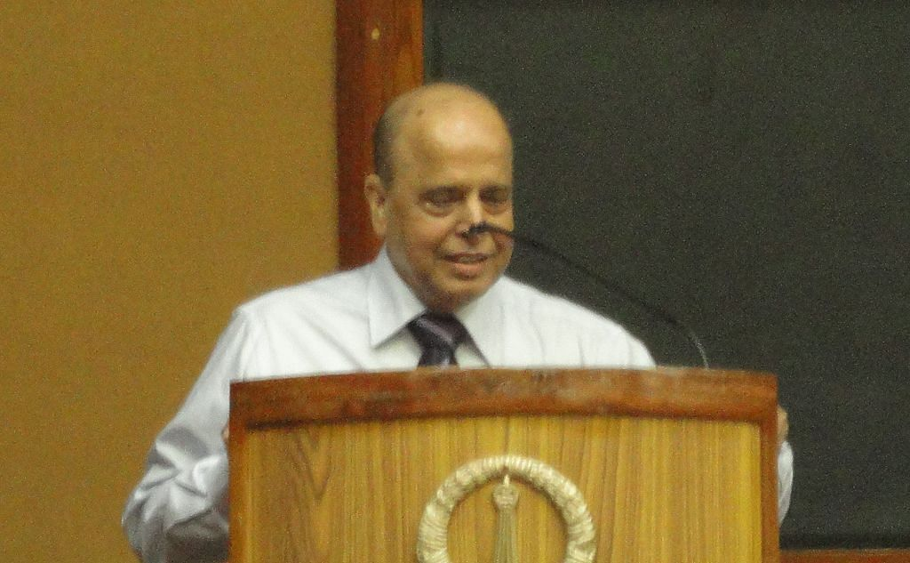 Making a speech at the Indian Institute of Science, Bengaluru. (Source: Wikimedia Commons)