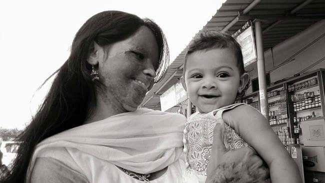 Laxmi with her daughter Pihu (Source: Facebook/Laxmi Agarwal)