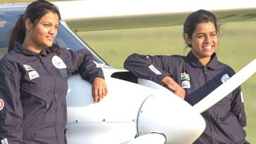 Mumbai Girls Are 1st Indian Women to Fly Light Sport Aircraft Around the World!