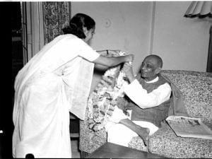 Visitors greeting Sardar Patel on his birthday. (Source: Facebook)