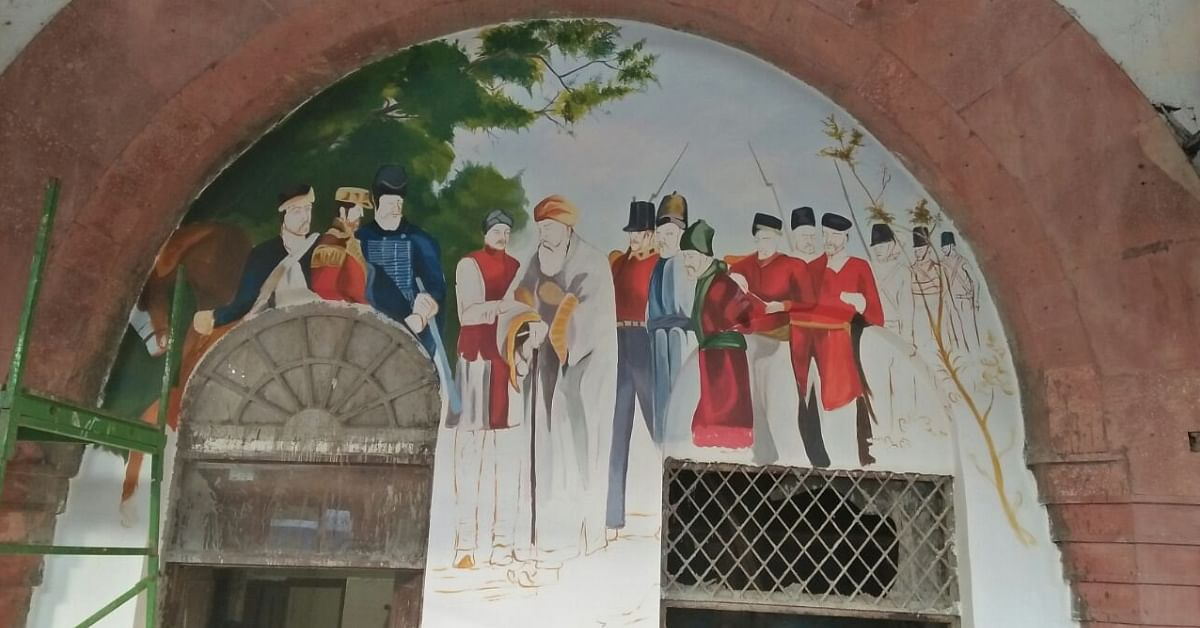 The first War of Indepedence, illustrated on the Ghaziabad junction facade. Image Credit: csDishaa