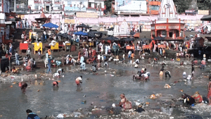 Polluted Ganga river. (Source: Wikimedia Commons)