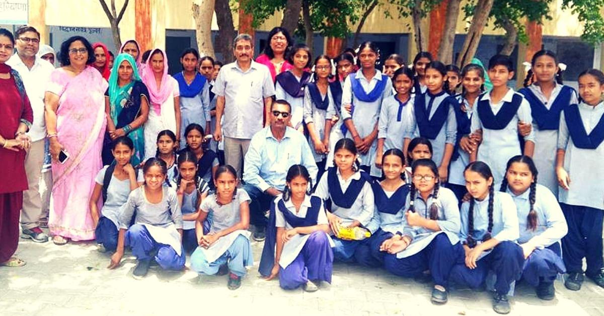 Haryana Man Turns Pad Man on Diwali, Distributes 1000 Sanitary Napkins to Poor Girls!