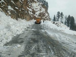 Clearing out snow on Mughal Road. (Source: Twitter)