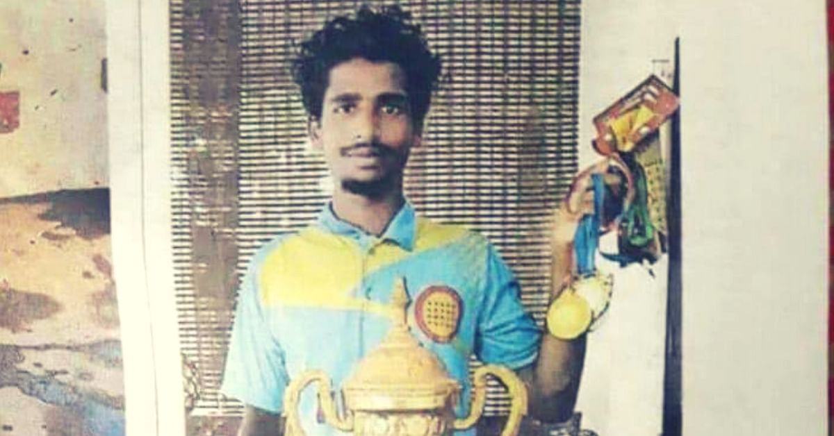 Inspiring! Losing a Hand Couldn't Stop This Gritty Kerala Boy From Becoming a Goalkeeper