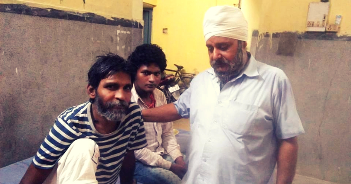 Every Night For The Last 26 Years, This Patna Man Has Fed & Cared For Abandoned Patients