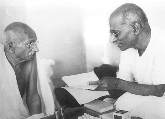 Rajaji held Mahatma Gandhi in high regard, but had the courage to oppose him on principled ground. This was particularly the case during his opposition to the Quit India Movement. (Source: Facebook)