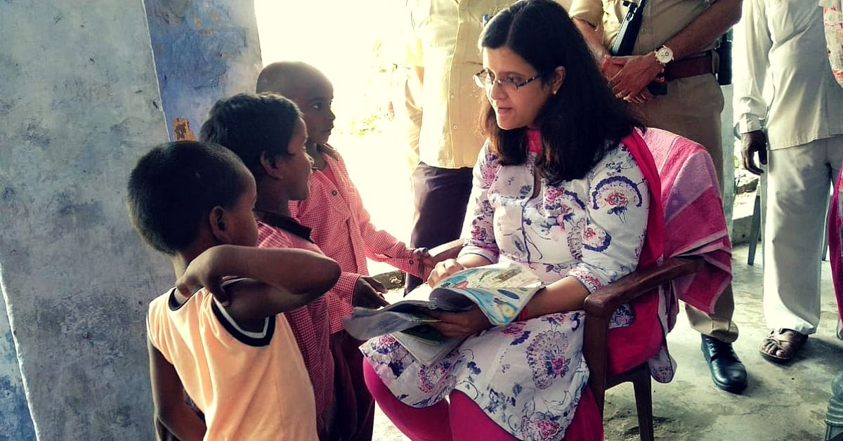UP IAS Officer Makes Time to Teach Govt School Kids, Inspires 700 Citizens To Do Same!