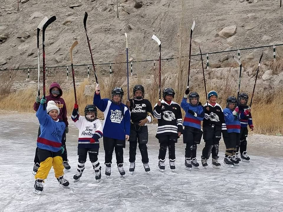 Children at the first day of the Learn to Play and Learn to Skate training program organised by the Ladakh Women Ice Hockey Foundation in collaboration with IHAI. (Source: Ladakh Women Ice Hockey Foundation)
