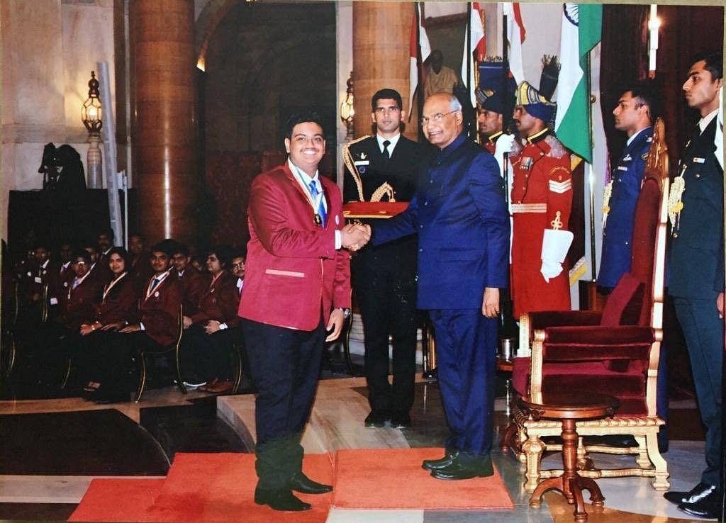 Naisargik Lenka receiving the award from President Ram Nath Kovind. (Source: Twitter)
