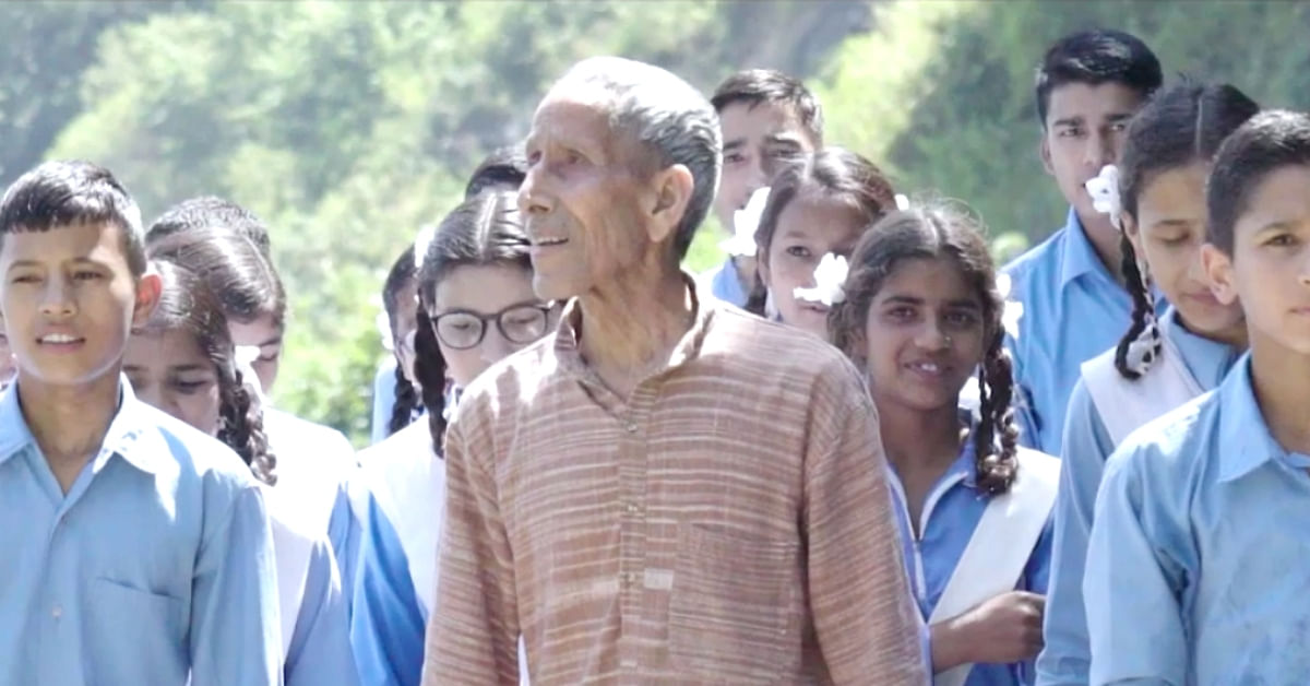 This 79-YO Unsung Hero Has Been Fighting To Save Uttarakhand's Trees for 40+ Years!