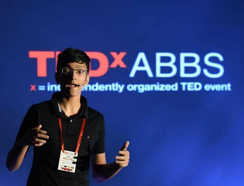 Rohan S Nair giving a TEDx talk. (Source: Sprinklebytes)