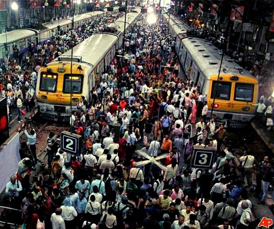 Attacked By Chilli Powder, Mumbai Motorman Drives Train for 18 Kms to Prevent Delay