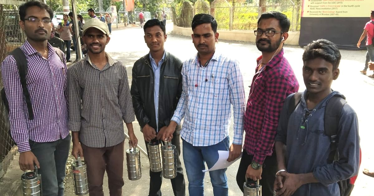 Pune Students Give Free Meals to Juniors – For a Reason That'll Touch Your Heart