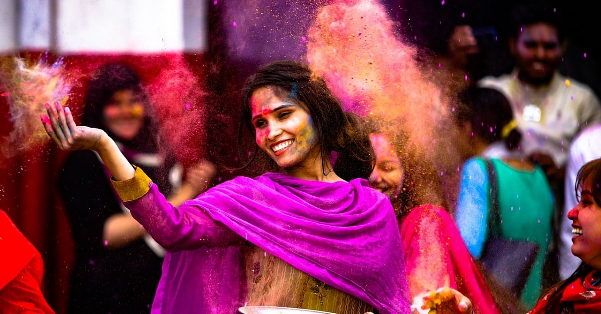 Beetroot to Amla: Make Organic Holi Colours With These Kitchen Ingredients!