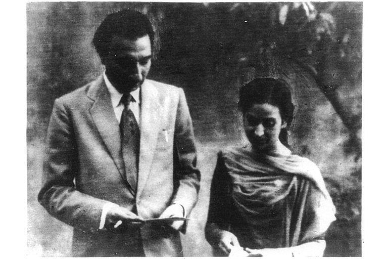 Sahir Ludhianvi & Amrita Pritam, an amazing yet unrequited love story. (Source: Twitter)
