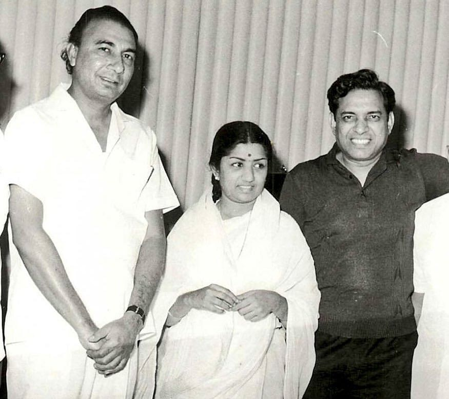 Sahir, Lata Mangeshkar and composer Ravi (Left to Right). (Source: Twitter/Film History Pics)