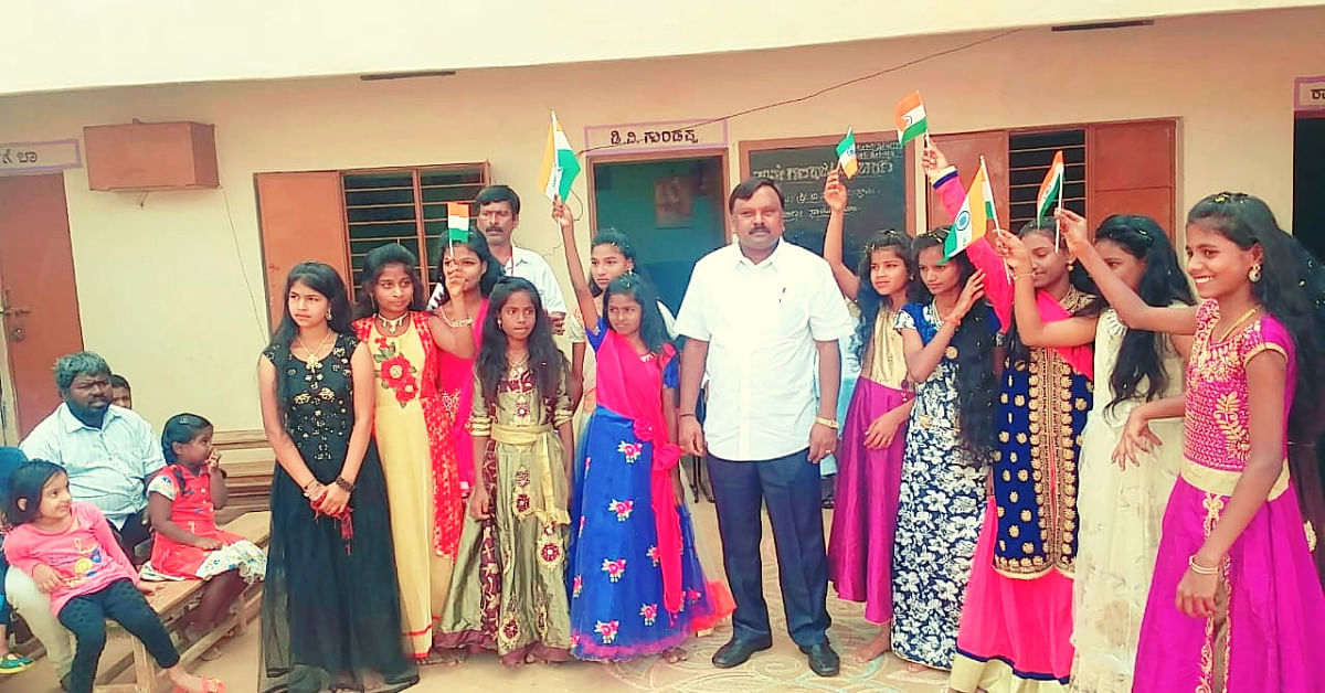Poverty Shattered his MBBS Dreams. So He Opened a School For Underprivileged Kids!