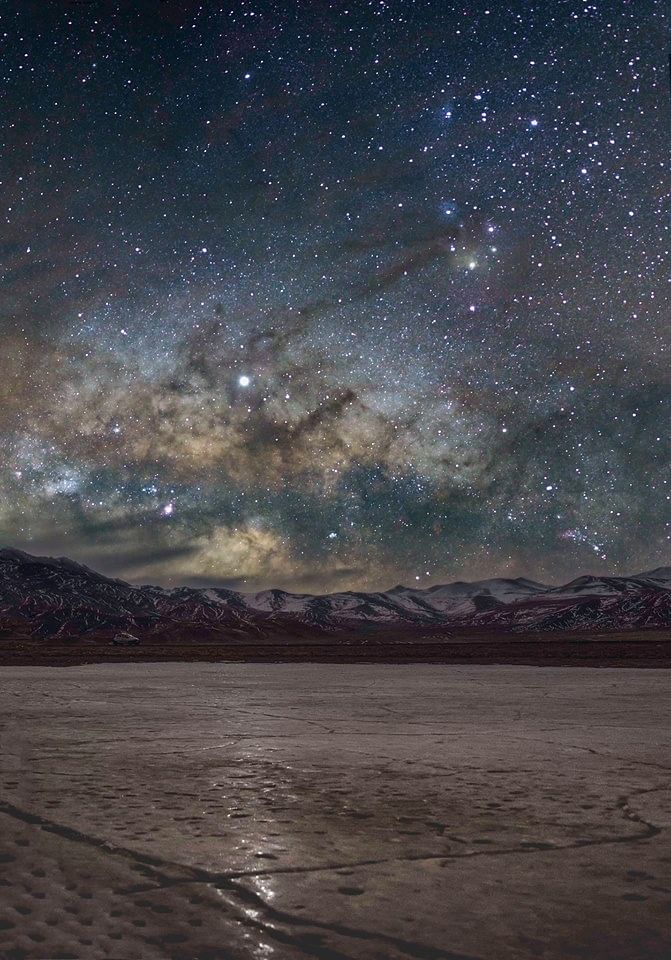 Jupiter riding on the Dark Horse Nebula. (SourceL Dorjey Angchuk)