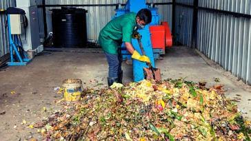 Bengaluru biogas from kitchen waste bbmp restaurant india