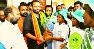 Welcoming candidates during their nomination-Pathanamthitta. (Source: Suchitwa Mission)