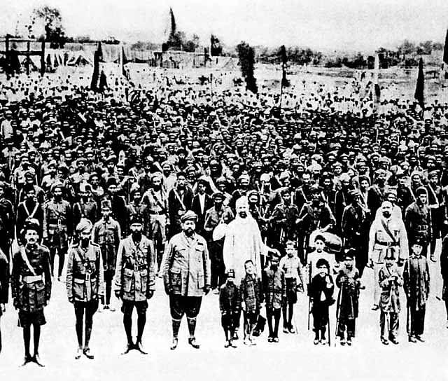 Followers of the Khudai Khidmatgar (Servants of God). (Source: Wikimedia Commons)
