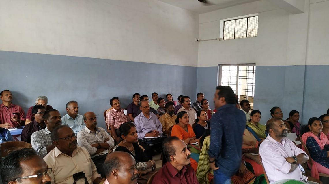 Training for poll officers in green protocol in Kottayam. (Source: Suchitwa Mission)