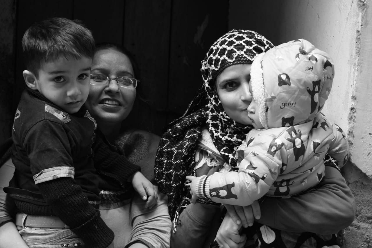 Young mothers in Delhi who now take care of their children using the Saathealth app. (Source: Saathealth)