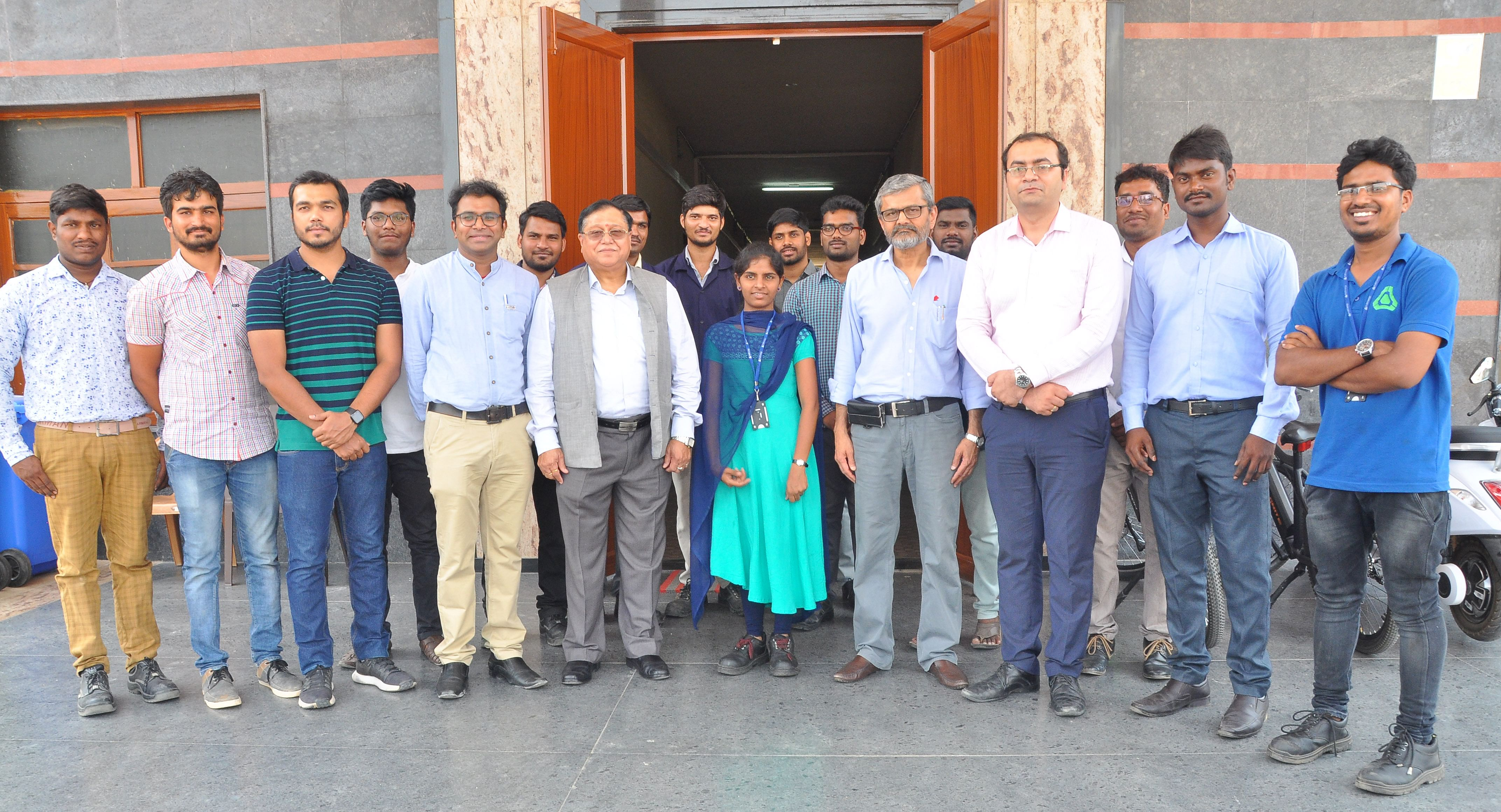 Dr. V.K. Saraswat, Member, NITI Aayog, and Prof U.B. Desai, Director, IIT Hyderabad, with the PUR EV team at the Manufacturing Unit near IIT Hyderabad on 28th April 2019.