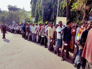 The line outside Niloufer Hospital waiting for their breakfast.