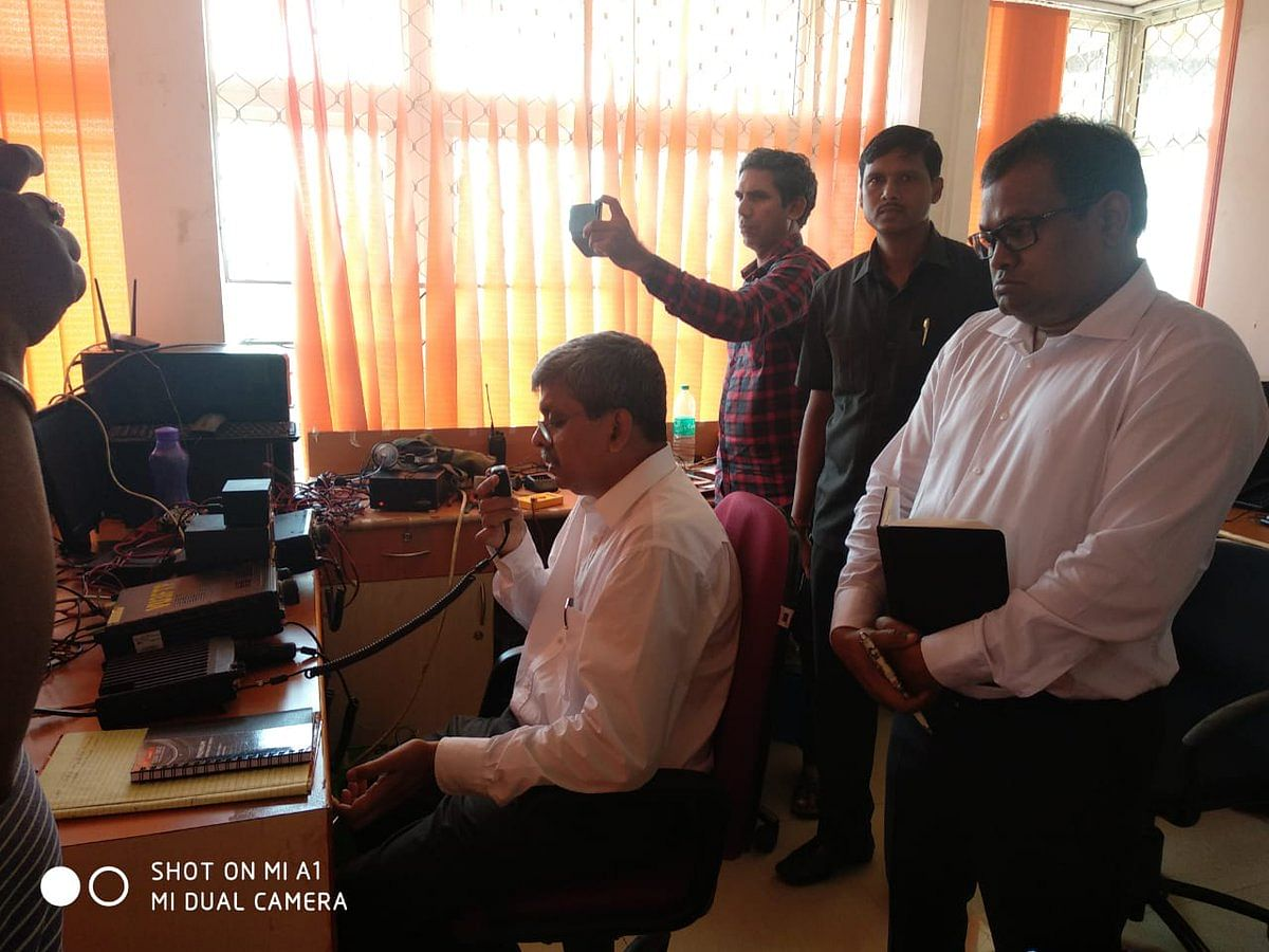 Aditya Prasad Padhi, IAS, Chief Secretary, Odisha today on 06.05.2019 communicated to Collector Puri and ADM Khordha through HAM radio installed at OSDMA. (Source: Twitter/SRC, Govt of Odisha)