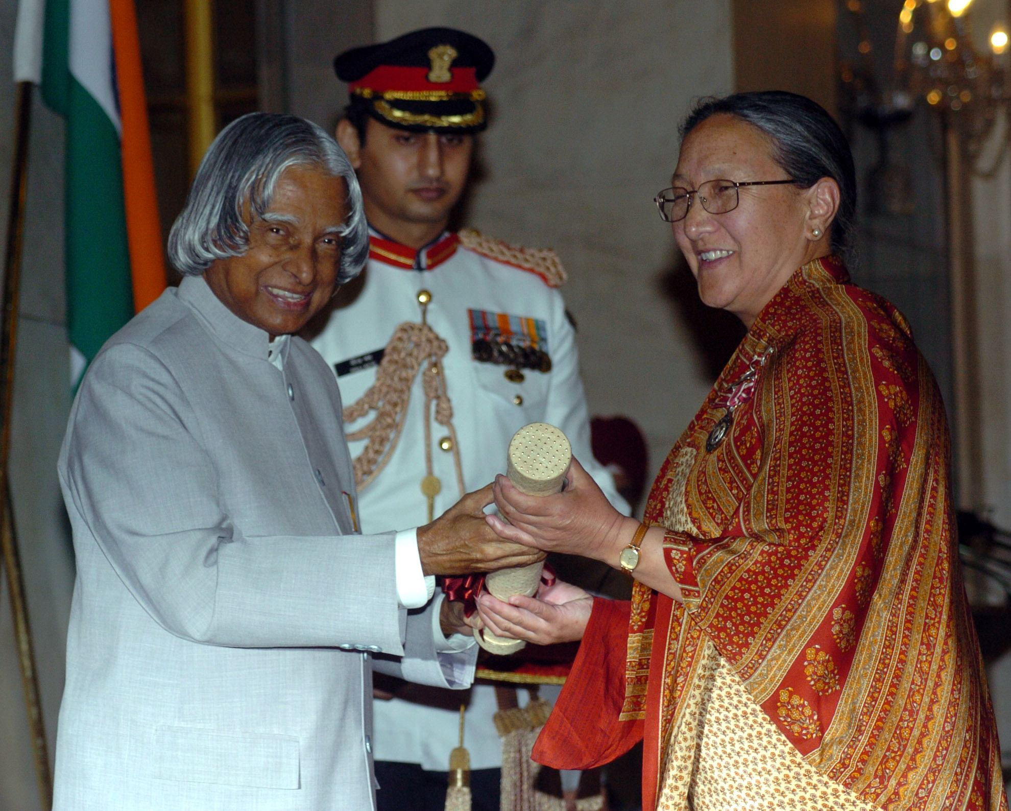 Former President, Dr. A.P.J. Abdul Kalam presenting Padma Shri to Dr. Tsering Landol, a Gynaecologist & Obstetrician of Leh Ladakh, at an Investiture Ceremony at Rashtrapati Bhavan in New Delhi on March 29, 2006. (Source: Wikimedia Commons)