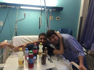 Amit with his brother Sachin at the hospital. (Source: Amit Motwani)