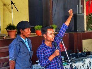 Morningstar addressing local villagers. (Source: Living Bridge Foundation)