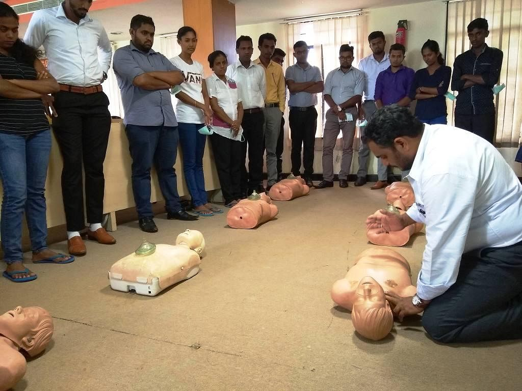 Training on mannequins. (Source: GVK EMRI)