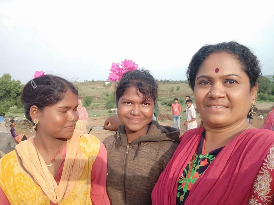 Sunita's work, has given young girls and women from the Pardhi community a new lease of life.