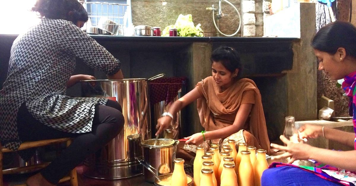 Saying No to Plastic: 6 Bengaluru Eateries That Ask Their Customers to BYOC!