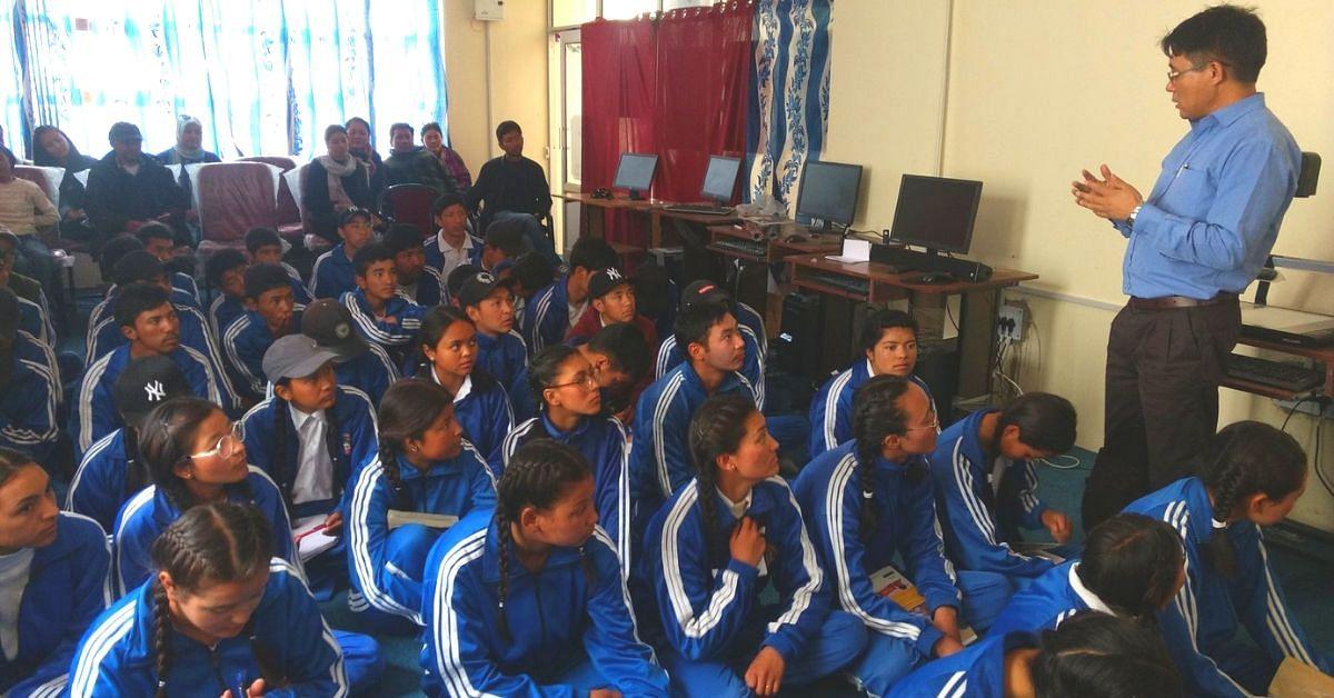 Ladakh's First ISRO Scientist Helps 700+ Village Kids Study in India's Best Colleges!