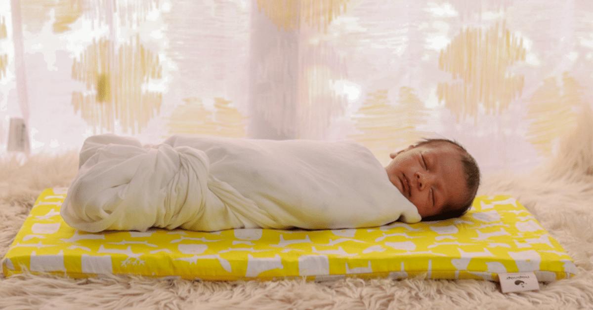 This Baby Mat Recreates 'Mother's Womb' Feeling to Help Newborns & New Moms Sleep