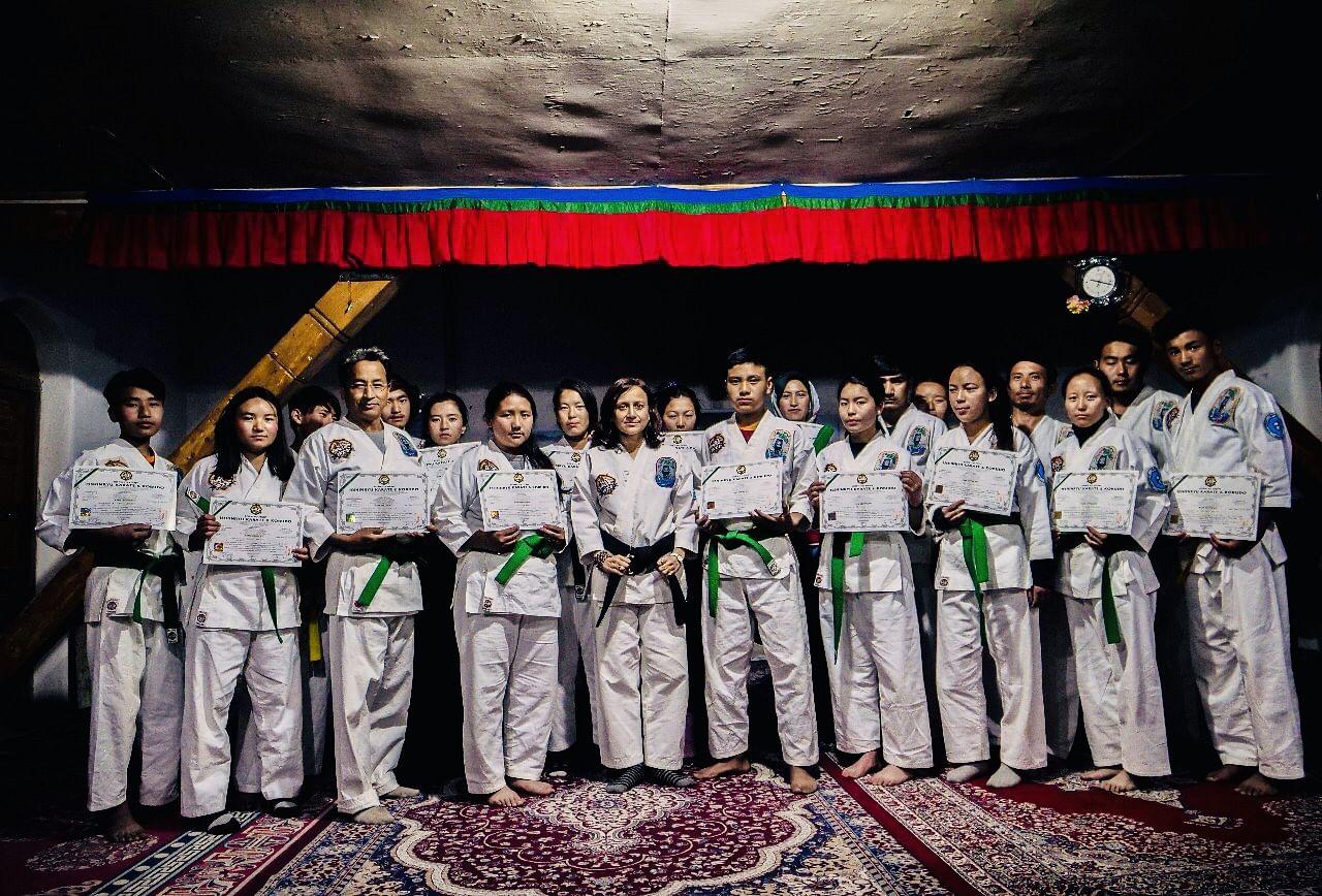 Gitanjali and her 'Peaceful Warriors, including Sonam Wangchuk.