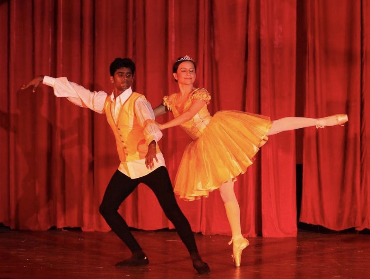 Gitanjali is also a trained Russian Bolshoi ballet dancer.