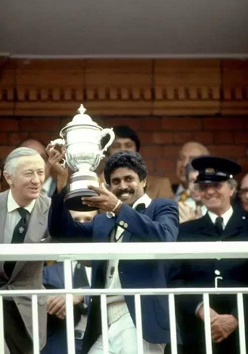 Kapil Dev lifting the 1983 World Cup. (Source: Facebook)