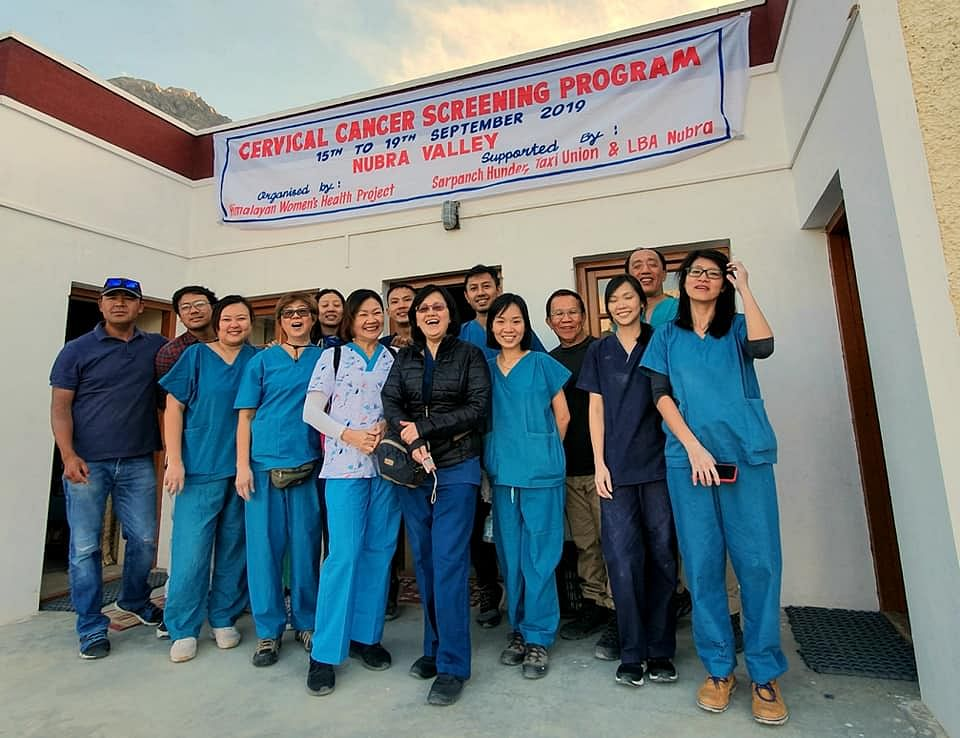 Dr Nordan (Extreme Left) with the team of doctors from Singapore. (Source: Facebook)
