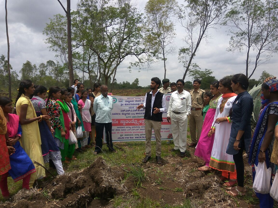 Class 10 Dropout Fights Sand Mafia to Protect Rivers, Forests from Dying!