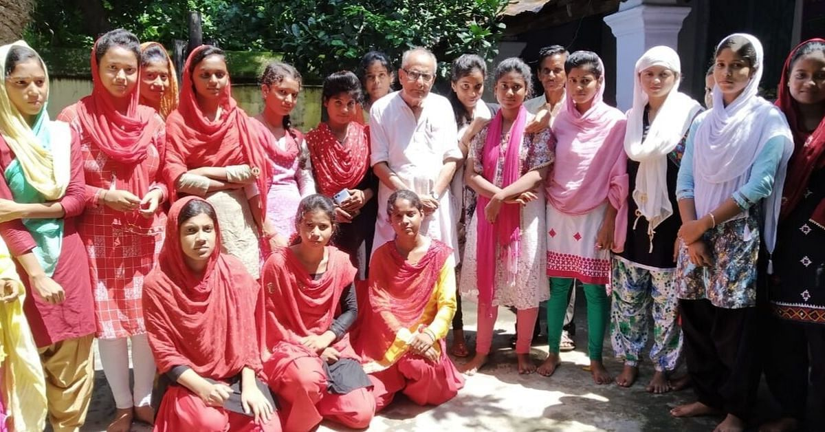 76 YO Bengal Teacher Charges Only Rs 2 in a Year to Teach 350+ Tribal Students