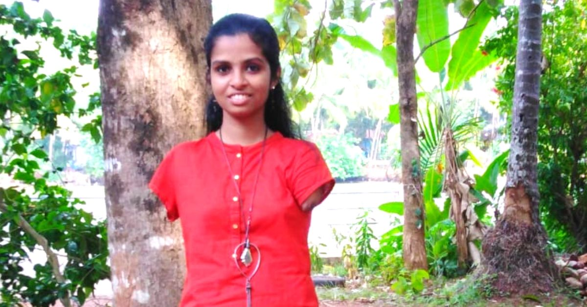 Born Without Arms, Kerala Girl Writes Exams With Her Feet & Aces 10th Boards!