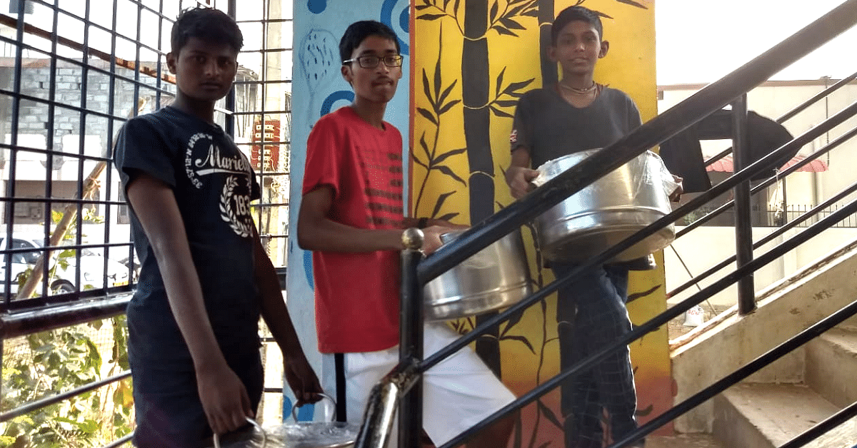5 School Kids Collect 800+ Kgs of Food From Hostels, Deliver It To Orphanages!