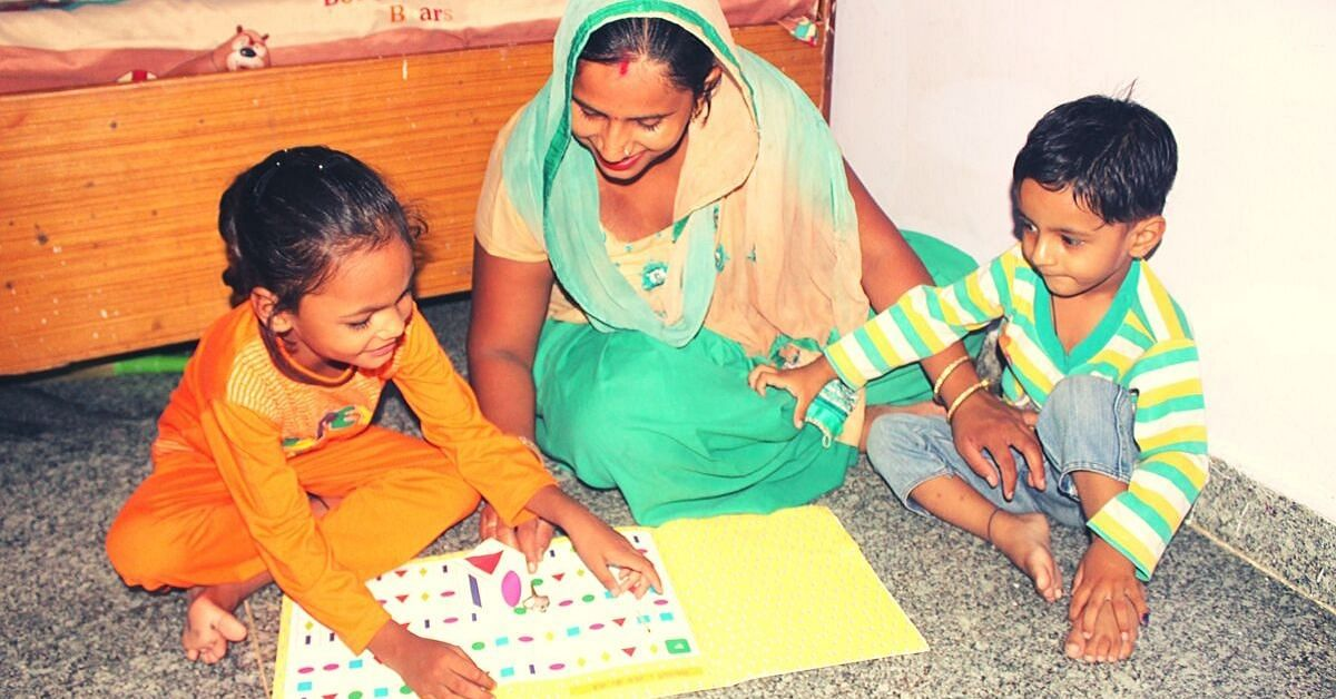 Delhi Engineer Helps 6000+ Uneducated Moms Become Teachers to Their Kids!