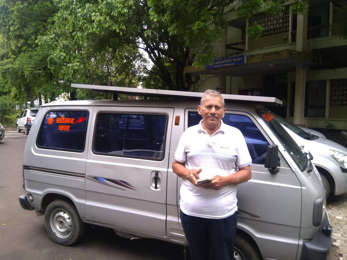 This man from Nagpur made the van a solar van, neither the cost of petrol nor the danger of pollution